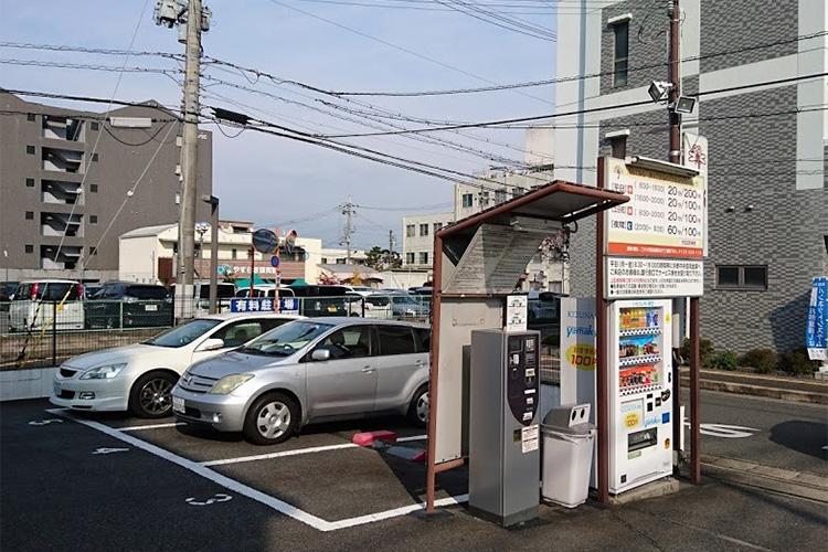 店舗併設駐車場(金融機関)